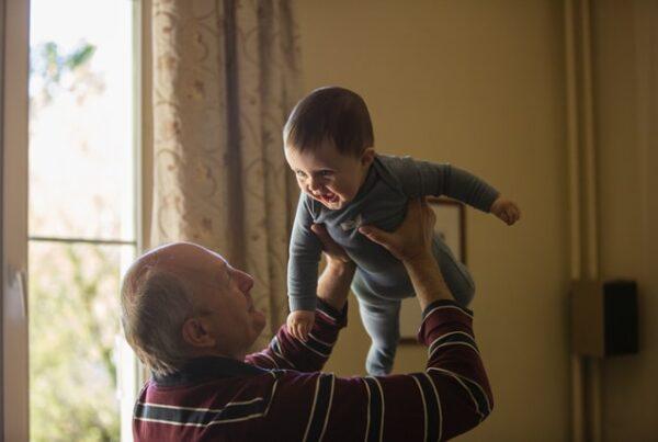 baby therapy La Pueblita senior living johnny-cohen-OxOxqLAWvE0-unsplash